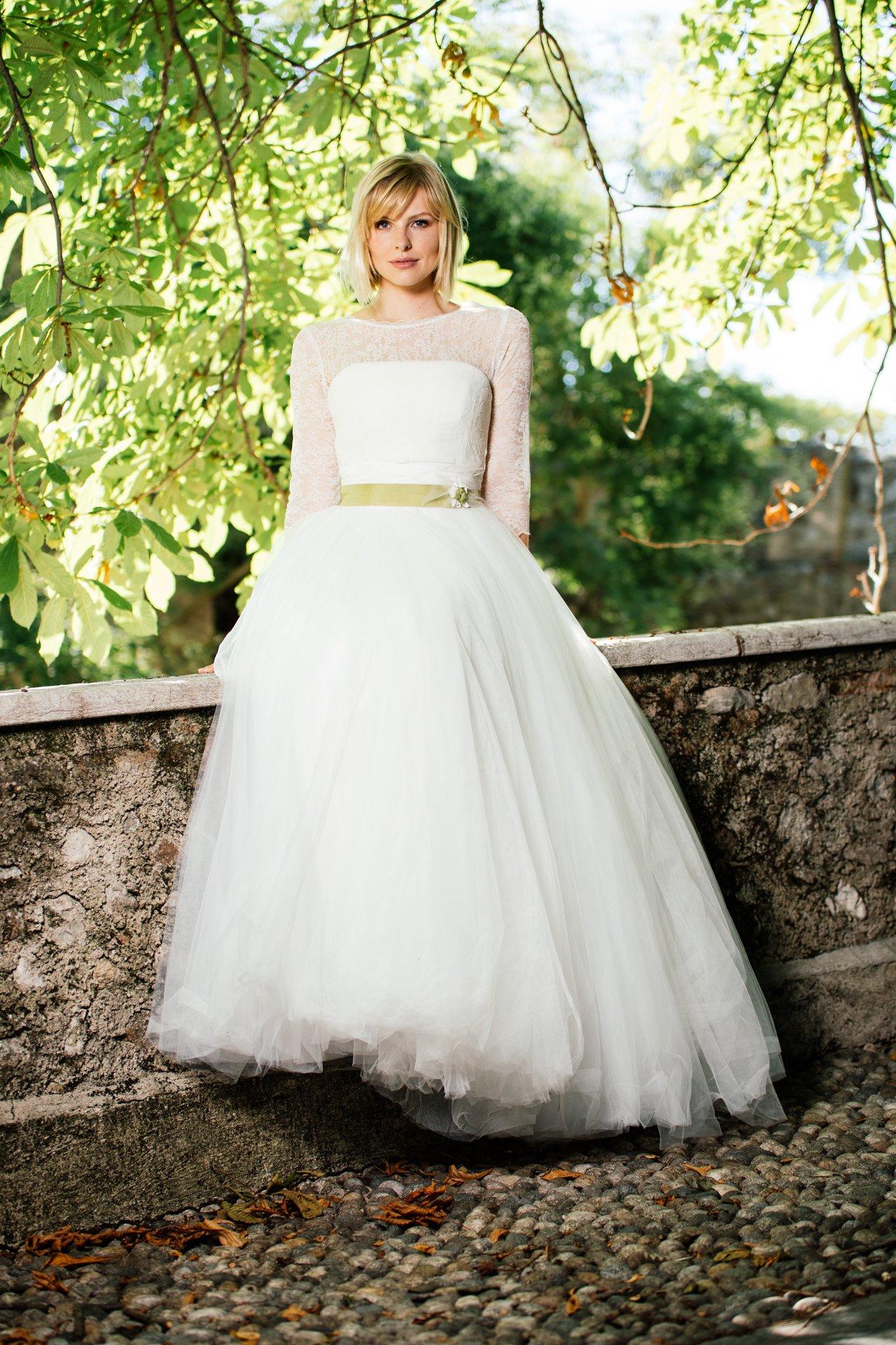 Erfreut Zwei Getöntes Hochzeitskleid Bilder - Brautkleider Ideen ...